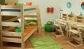 Dětská patrová postel z masivu se zábranou